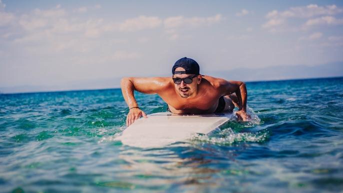 onbeperkt 50% korting op een introductieles golfsurfen of suppen