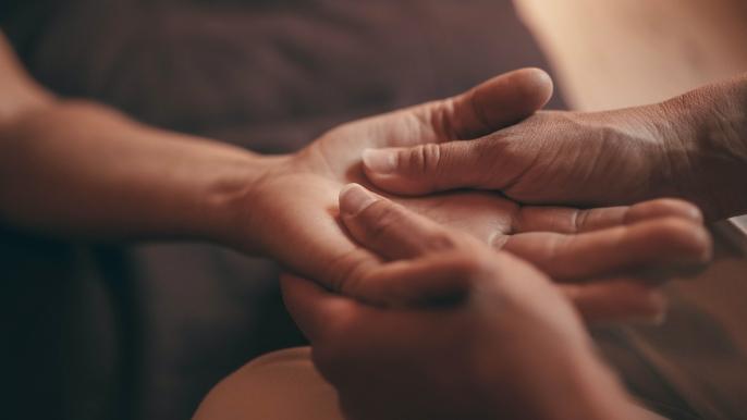 onbeperkt 50% korting op een hoofd- schouder- en handmassage